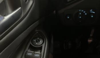 Ford Kuga 1.5 TDCi 120cv Titanium lleno